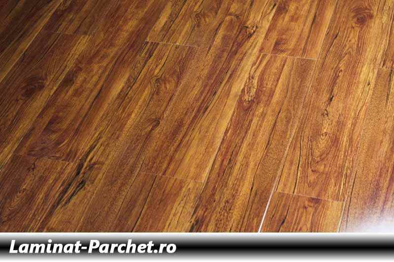 Parchet laminat Nuc 12 mm