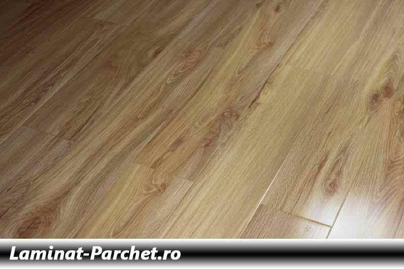 Parchet laminat Stejar 12 mm H 8849